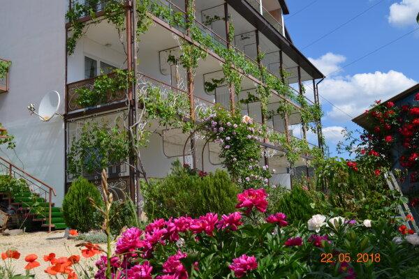 Гостевой дом, переулок Долинный, 6 на 10 номеров - Фотография 1