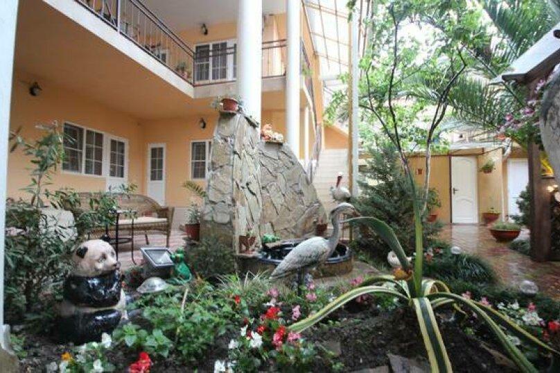 """Гостевой дом """"Алина"""", улица Чкалова, 18 на 19 комнат - Фотография 13"""