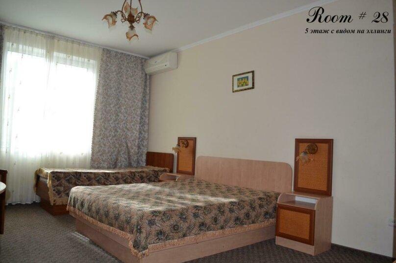 Номер с видом на другую гостиницу (5-й этаж)   №28, Гагариной, 234/30а, Утес - Фотография 1