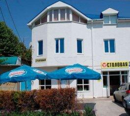 Гостевой дом, улица Тургенева, 183 на 18 номеров - Фотография 1