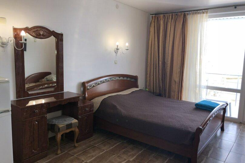 """Гостиница """"Вёсла"""", черноморская набережная , 42 на 8 комнат - Фотография 1"""
