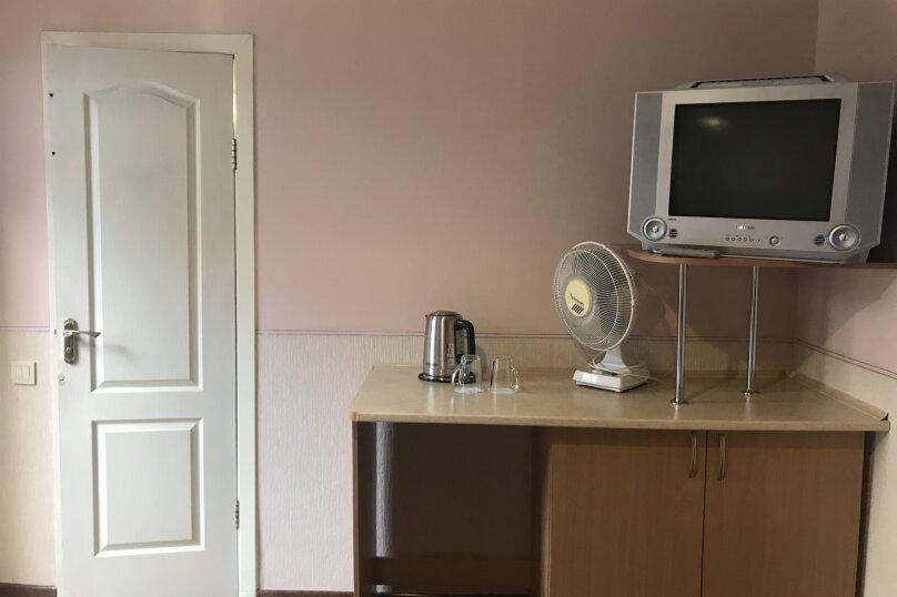 """Мини-отель """"Смотрич"""", улица Космонавтов, 16 а на 6 номеров - Фотография 21"""