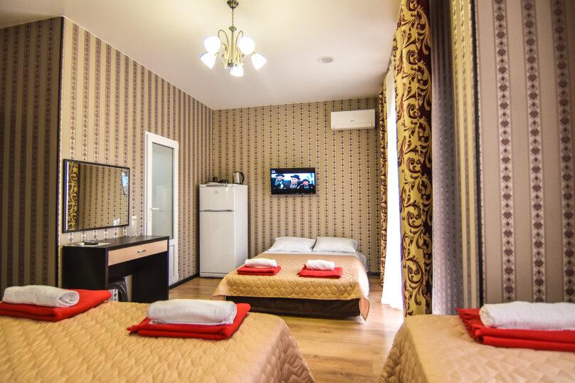 """Гостевой дом """"Династия"""", Абрикосовая, 12 на 32 комнаты - Фотография 42"""
