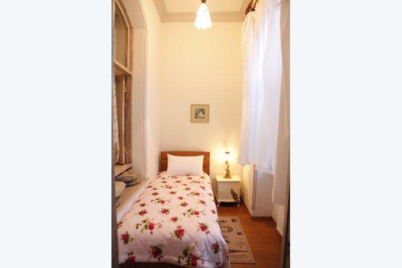 3-комн. квартира, 300 кв.м. на 4 человека, проспект Шота Руставели, 46, Тбилиси - Фотография 33