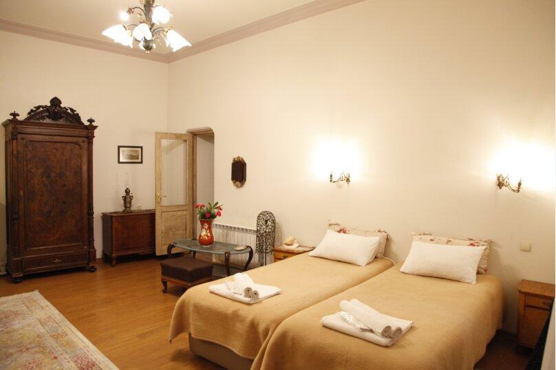 3-комн. квартира, 300 кв.м. на 4 человека, проспект Шота Руставели, 46, Тбилиси - Фотография 36