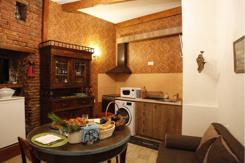 3-комн. квартира, 300 кв.м. на 4 человека, проспект Шота Руставели, 46, Тбилиси - Фотография 39