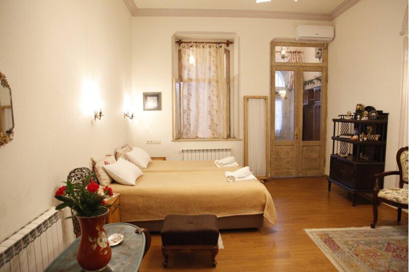 3-комн. квартира, 300 кв.м. на 4 человека, проспект Шота Руставели, 46, Тбилиси - Фотография 47
