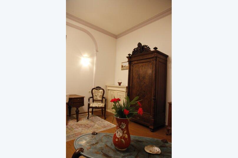 3-комн. квартира, 300 кв.м. на 4 человека, проспект Шота Руставели, 46, Тбилиси - Фотография 49
