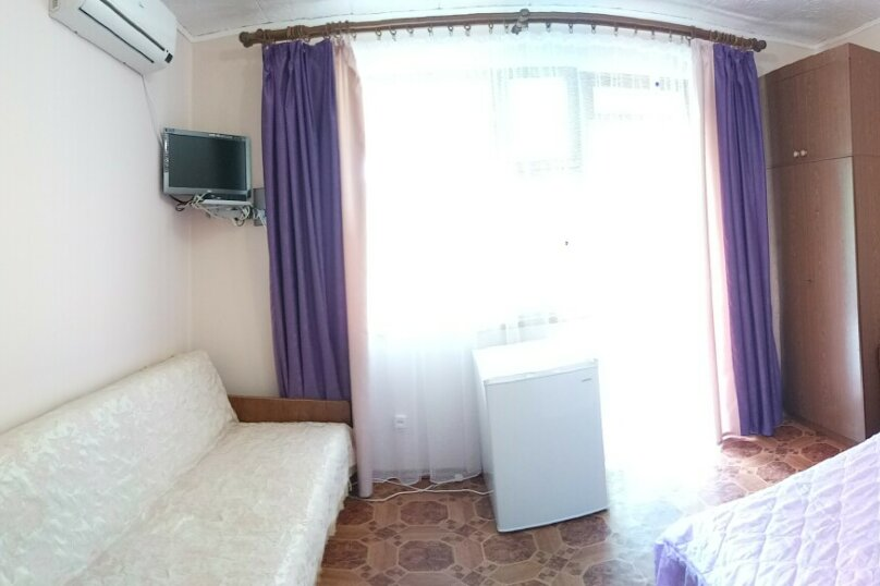 Бюджетный трёхместный номер, улица Ленина, 21, Морское - Фотография 1