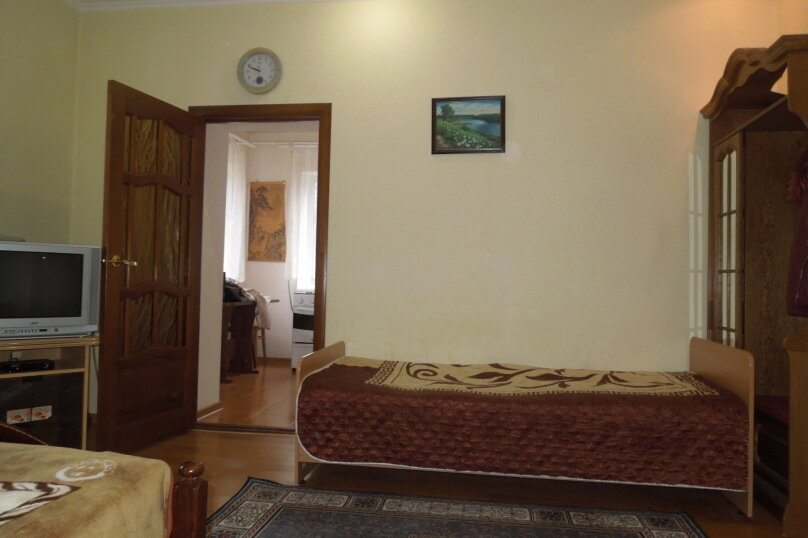 1-комн. квартира, 37 кв.м. на 4 человека, улица Еськова, 8, Кисловодск - Фотография 6