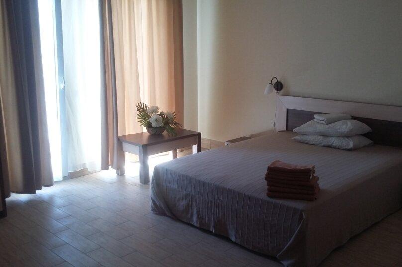 Апартаменты с двумя комнатами, Черноморское шоссе, 58, Межводное - Фотография 1