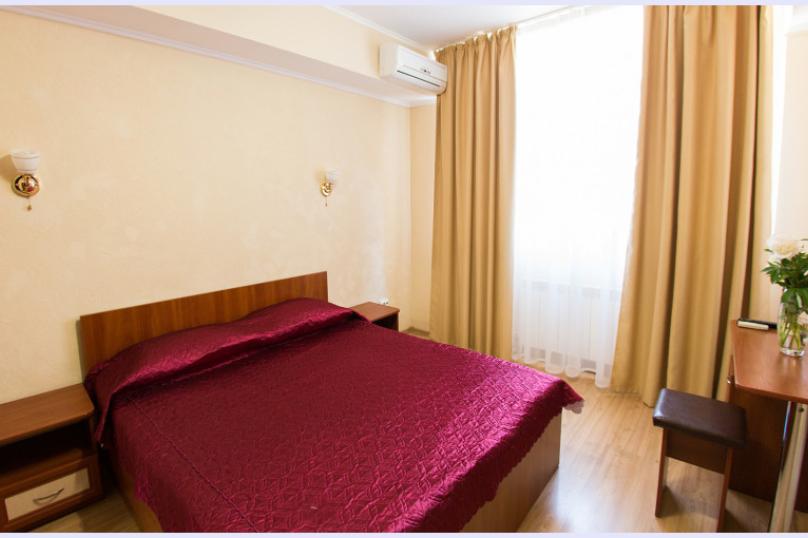 Стандарт двухкомнатный без балкона (трехместный), улица Горького, 7, Алушта - Фотография 1