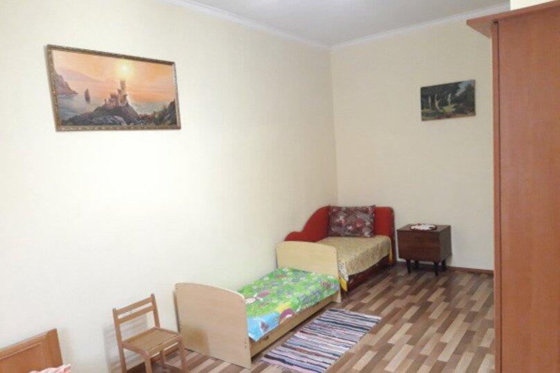 2-комн. квартира, 64 кв.м. на 4 человека, улица Бондаренко, 5, поселок Орджоникидзе, Феодосия - Фотография 2