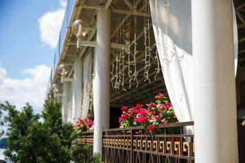 Отель, Крепостная улица на 110 номеров - Фотография 1