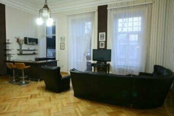 2-комн. квартира на 4 человека, проспект Давида Агмашенебели, Тбилиси - Фотография 2