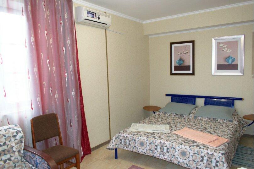 3-х местный стандарт №3 (большая кровать), Насыпная, 10, Феодосия - Фотография 1