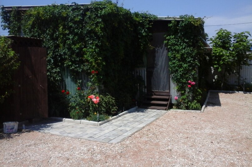 Двухкомнатный 4-х местный домик с верандой, Школьная, 16-Б, Голубицкая - Фотография 1