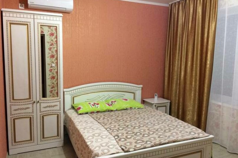 «Дубовый двор», 100 кв.м. на 9 человек, 3 спальни, улица Макаровой, 16, Геленджик - Фотография 4