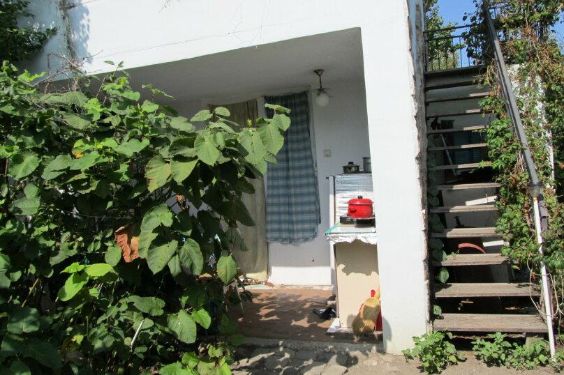 Гостевой дом в 8 минутах от моря, улица 3-го Интернационала, 42 на 4 номера - Фотография 2