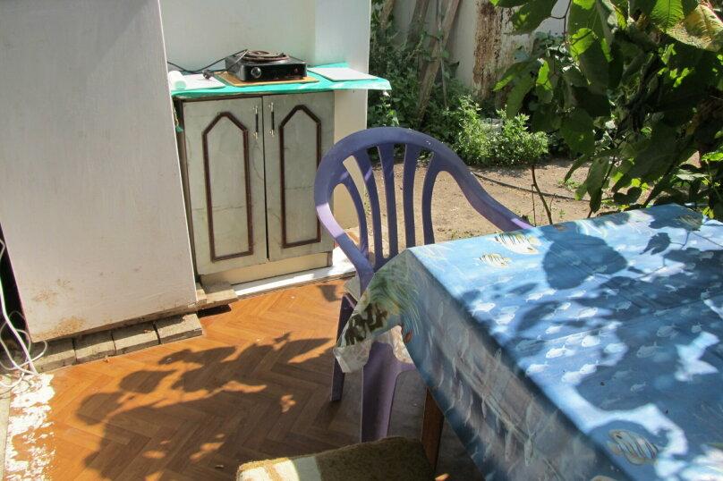 Гостевой дом в 8 минутах от моря, улица 3-го Интернационала, 42 на 4 номера - Фотография 3