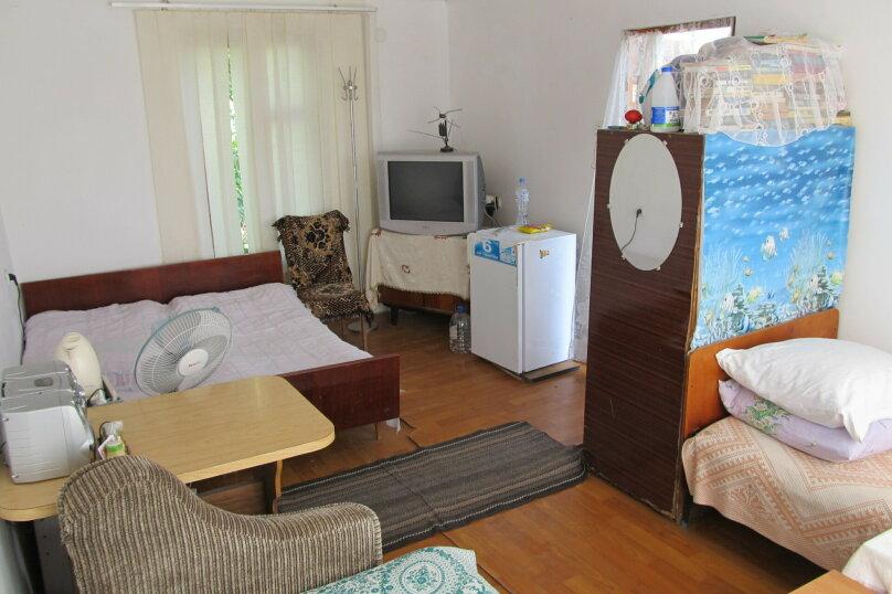 Гостевой дом в 8 минутах от моря, улица 3-го Интернационала, 42 на 4 номера - Фотография 6