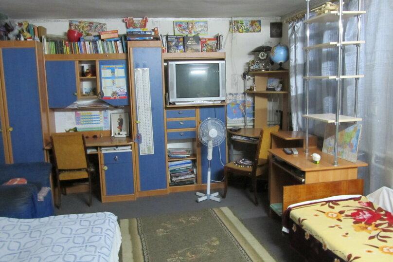 Гостевой дом в 8 минутах от моря, улица 3-го Интернационала, 42 на 4 номера - Фотография 9