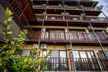 """Гостевой дом """"Регалия"""", Подлесная улица, 2 на 18 комнат - Фотография 1"""