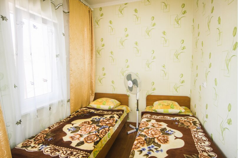2-х местный номер с удобствами на территории на 2-ом этаже, улица Стамова, 9, Коктебель - Фотография 1