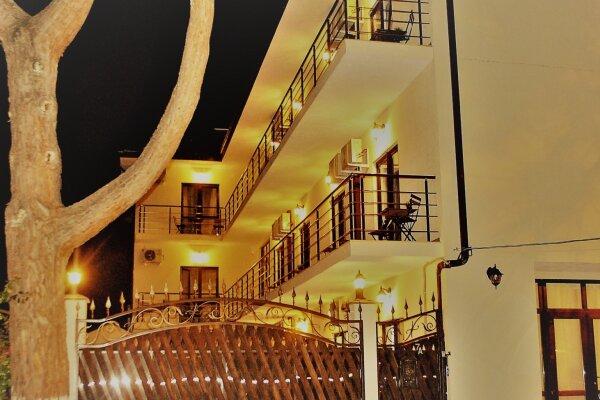 Гостевой дом, Куйбышева, 7А на 20 номеров - Фотография 1