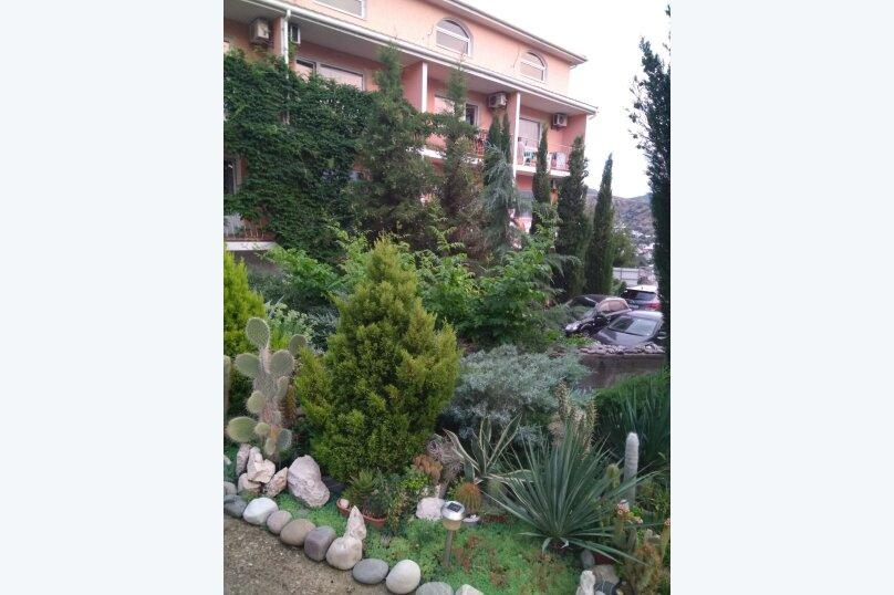 """Гостевой дом """"Вилла Светлана"""", улица Гоголя, 5А на 14 комнат - Фотография 2"""