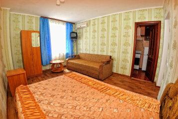 4-х местный номер:  Номер, Полулюкс, 4-местный, 1-комнатный, Гостевой дом, улица Анджиевского, 4 на 7 номеров - Фотография 3