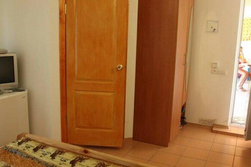 Двух-трёхместный с кухней, Таврическая улица, 8, Оленевка - Фотография 1