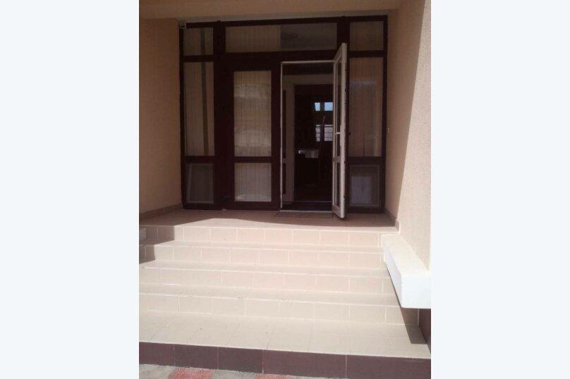 3-комн. квартира, 65 кв.м. на 6 человек, улица Челюскинцев, 49/40, Севастополь - Фотография 3