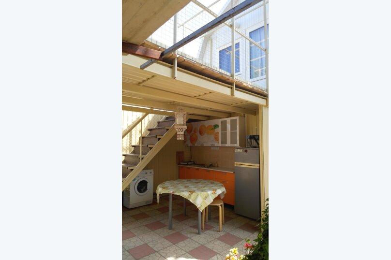 "Гостевой дом ""На Калинина 216"", улица Калинина, 216 на 4 комнаты - Фотография 8"