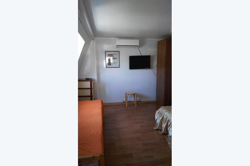 "Гостевой дом ""На Калинина 216"", улица Калинина, 216 на 4 комнаты - Фотография 11"