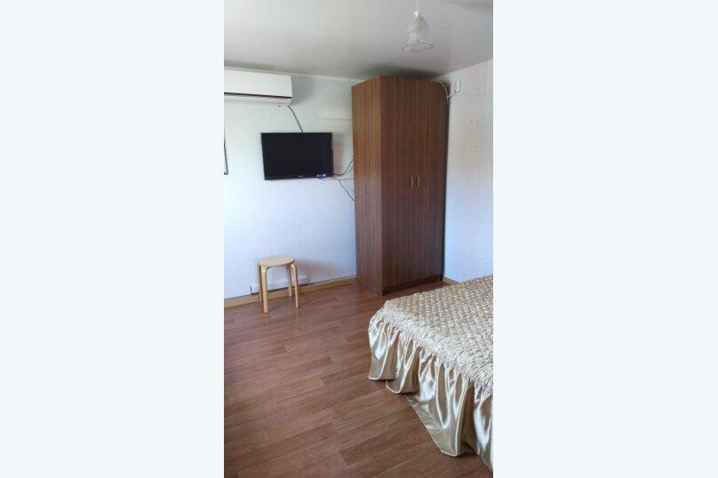 "Гостевой дом ""На Калинина 216"", улица Калинина, 216 на 4 комнаты - Фотография 12"