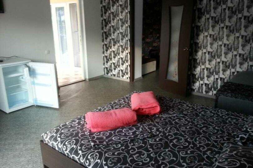 """Гостевой дом """"Голден Роус"""", Лучистая, 17А на 11 комнат - Фотография 15"""