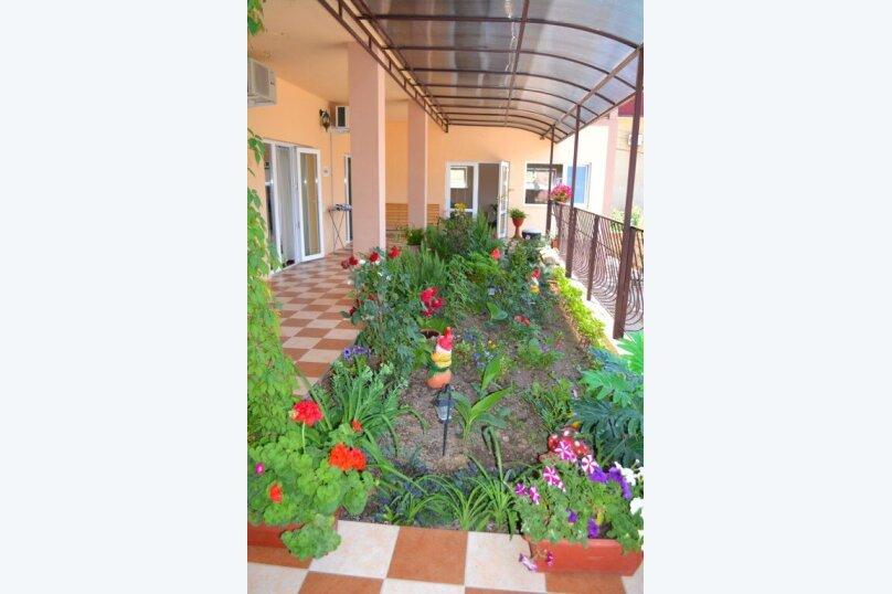"""Гостевой дом """"Голден Роус"""", Лучистая, 17А на 11 комнат - Фотография 42"""
