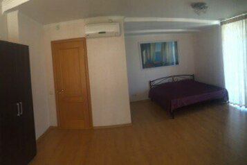 Люкс:  Номер, Люкс, 3-местный (2 основных + 1 доп), 1-комнатный, Гостевой дом, Шендырева на 4 номера - Фотография 4