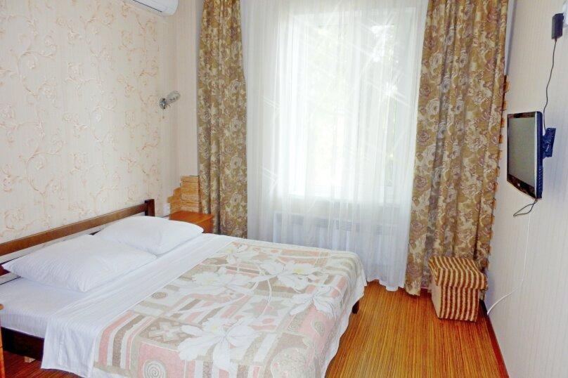 """Гостевой дом """"Крокус"""", Парковый спуск, 32б на 3 комнаты - Фотография 18"""
