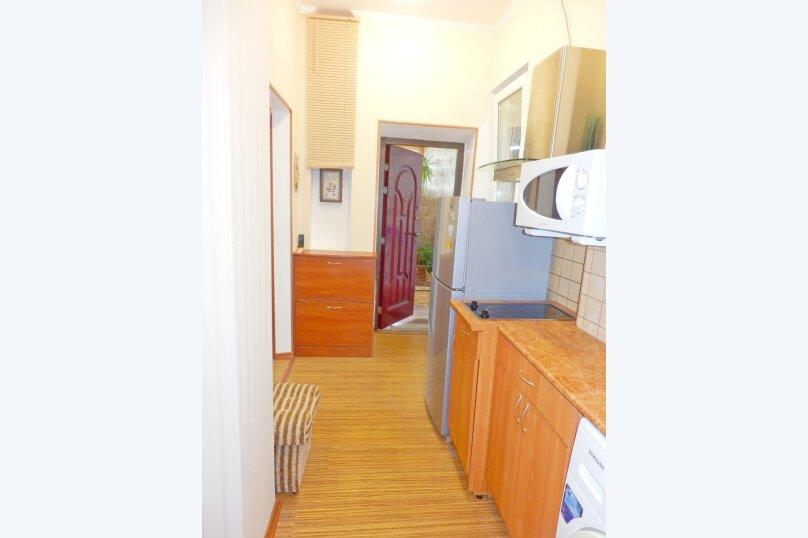 """Гостевой дом """"Крокус"""", Парковый спуск, 32б на 3 комнаты - Фотография 21"""