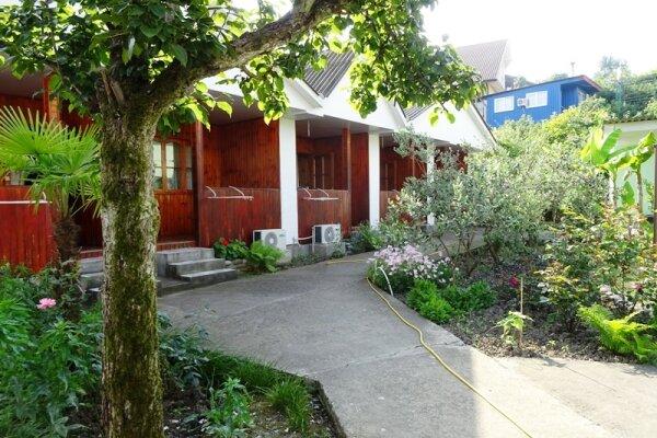 Гостевой дом, Алычевый переулок, 6 на 25 комнат - Фотография 1