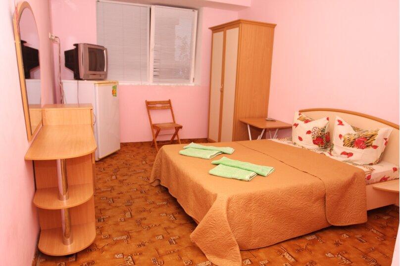 2-комнатный 4-х местный эконом, улица Гагариной, 25/314, Утес - Фотография 1