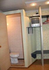 Часть дома под ключ ( 2-ой этаж), 20 кв.м. на 4 человека, 1 спальня, Прибойная улица, Геленджик - Фотография 2