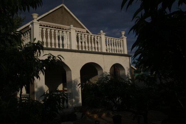 Дом, 90 кв.м. на 8 человек, 2 спальни, Восточная, 548, Заозерное - Фотография 1