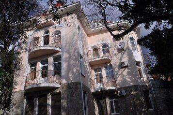 Гостевой дом, улица Владимира Луговского, 2А на 16 номеров - Фотография 1