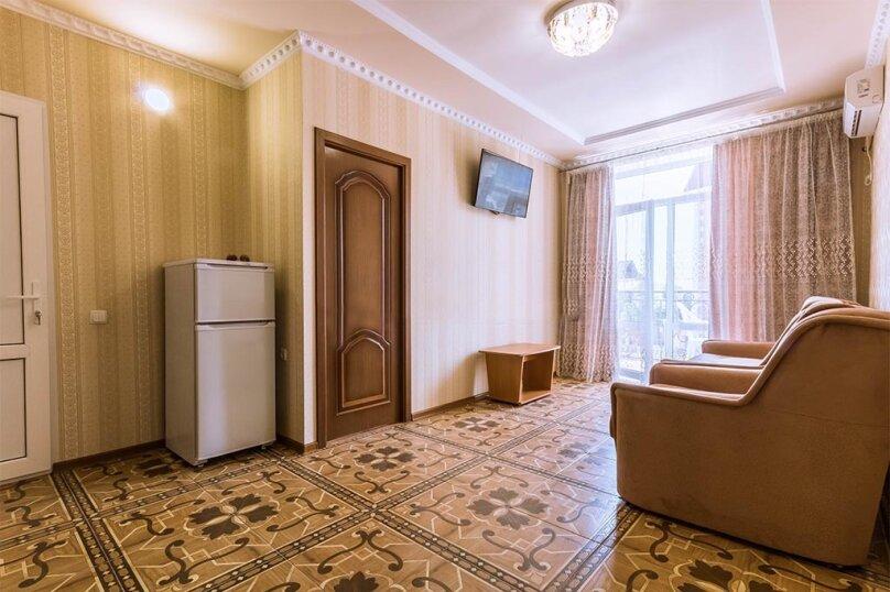 Двухкомнатный номер, 2-й этаж, с большим балконом , улица Гагарина, 48Д, Судак - Фотография 1