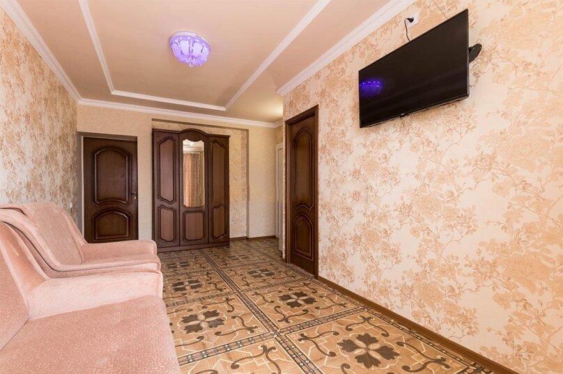 Двухкомнатный номер с балконом, 3-й этаж, улица Гагарина, 48Д, Судак - Фотография 1