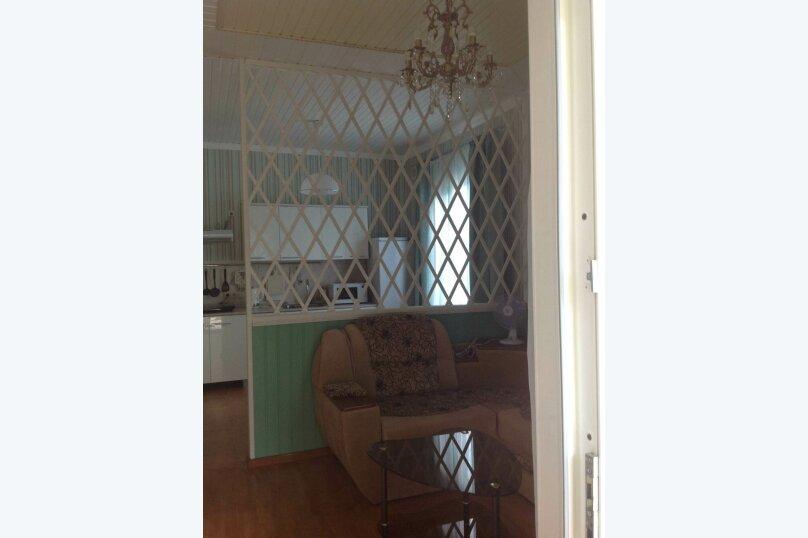 Двухэтажный дом с кухней и бассейном, 80 кв.м. на 6 человек, 1 спальня, Ленина, 131, Кучугуры - Фотография 10