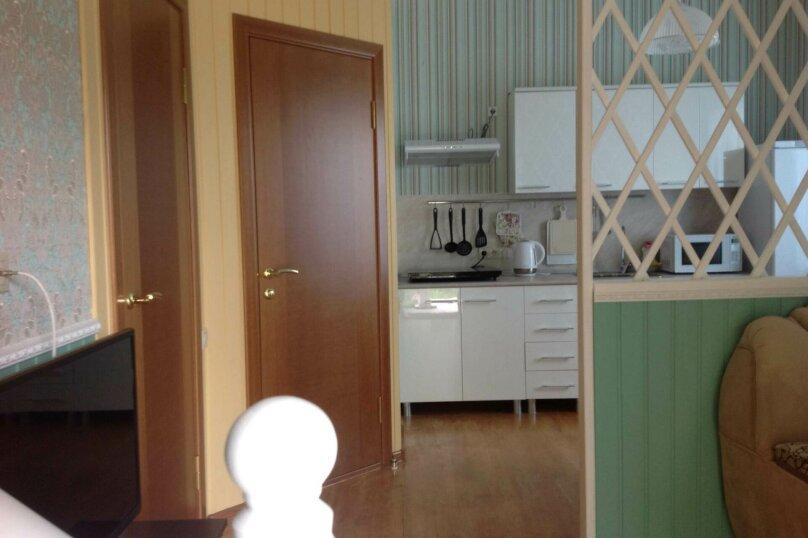 Двухэтажный дом с кухней и бассейном, 80 кв.м. на 6 человек, 1 спальня, Ленина, 131, Кучугуры - Фотография 13